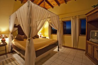 Capri-Honeymoon-Suite-Calabash-2