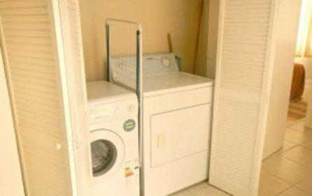 villaapartmentlaundry-300×201
