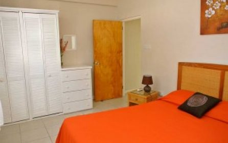 3bedroom2-cupboards-300×201