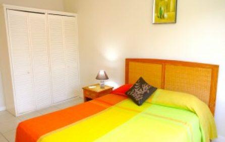 villa2-bedroom1-cupboards-l-300×201