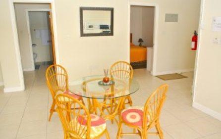 villaapartment5-dining-bedroomone-twol-300×201